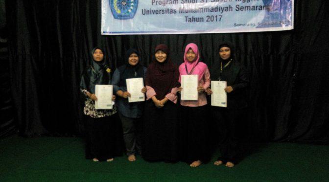Penyerahan Sertifikat Pramuwisata kepada Mahasiswa Sastra Inggris Unimus